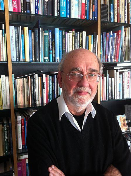 Datei:Prof dr Cees J Hamelink.jpg