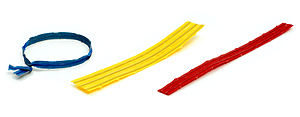 English: Twist ties in different colors.