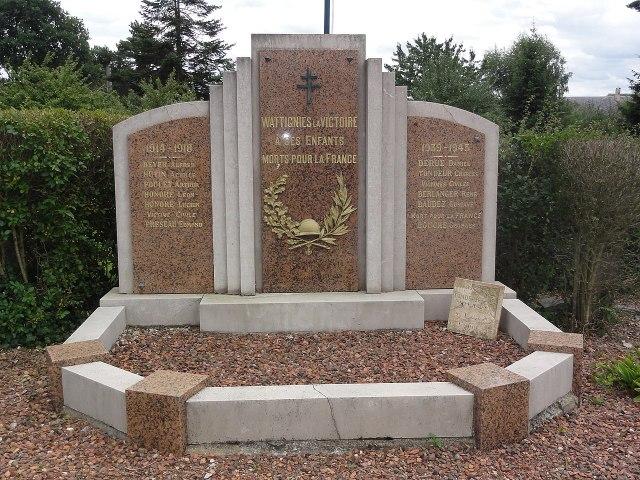 Wattignies-la-Victoire (Nord, Fr) monument aux morts.jpg