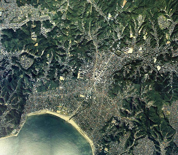 鎌倉市中心部周辺の空中写真