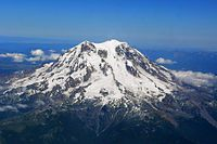 Mount Rainier da west.jpg