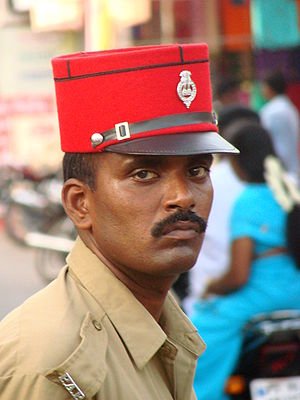 English: Police officer in Pondicherry (Puduch...