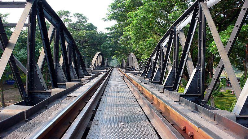 ไฟล์:Railway bridge over the river kwai.JPG