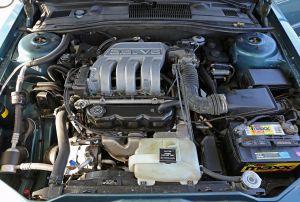File:1993 Chrysler Imperial 38L (EGH) enginejpg