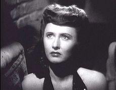 Barbara Sanwyck en la película Lady on Burlesque