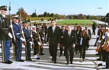 Milo Đukanović in the Pentagon during November 1999, meeting with United States Secretary of Defense William Cohen.