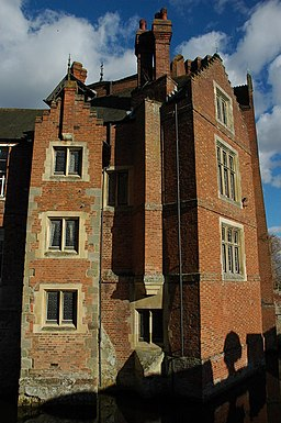 256px-Madresfield_Court_-_geograph.org.uk_-_1764705 People in Fiction: Brideshead Revisited