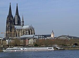 Deutsch: Flusskreuzfahrtschiff Viking Sky von ...
