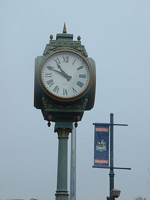 English: Bakersfield street clock
