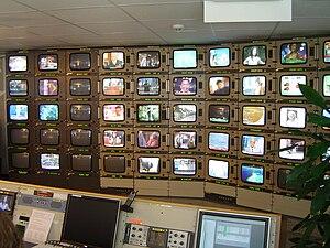 TV-Überwachungsraum. Kontrolle der Sendequalit...