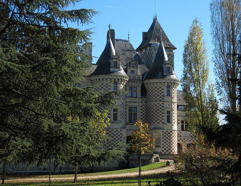 Les Réaux Castle