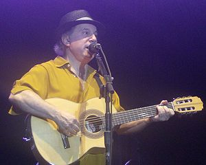 English: Paul Simon, live in Mainz, Germany, J...