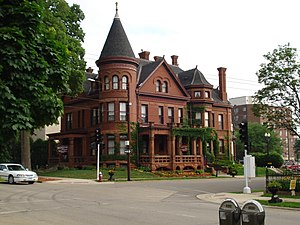 English: Red Stone Bed & Breakfast in Dubuque,...
