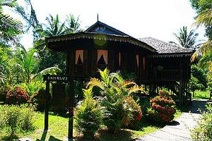 English: A sarawakian-malay kampung house.
