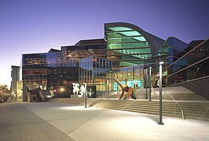 English: The Kentucky Center in Downtown Louis...