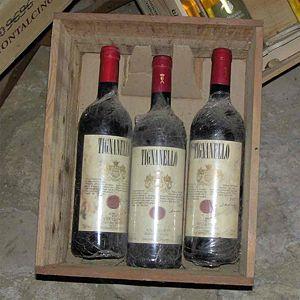 Beschreibung: Kiste mit Tignanello-Flaschen – ...