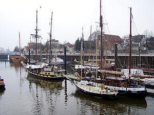 Deutsch: Hafen von Bremen-Vegesack English: Br...