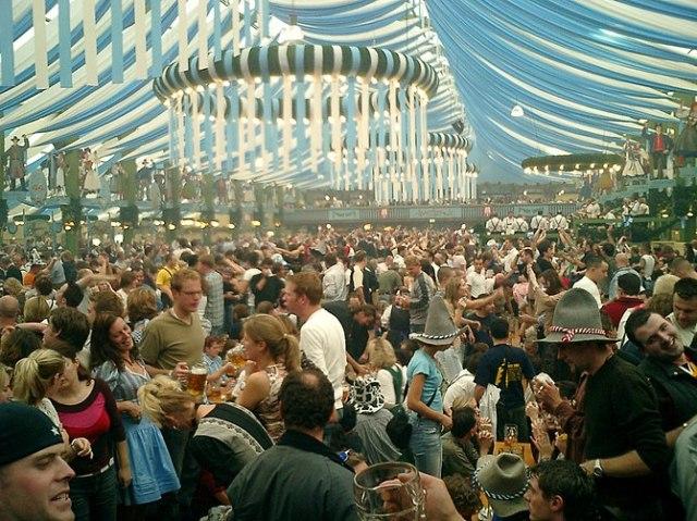 English: Oktoberfest, Munich, Germany Español:...
