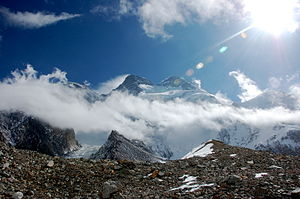 English: Broad Peak from Godwin-Austen Glacier...