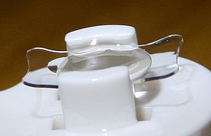 English: Foldable, acrylic Intraocular Lens