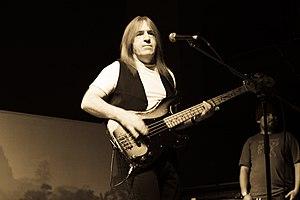 English: Uriah Heep's Trevor Bolder, Live in M...
