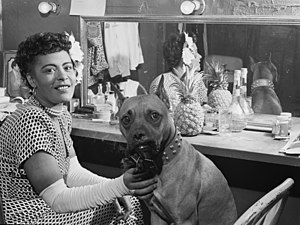 English: Billie Holiday and her dog Mister, ba...