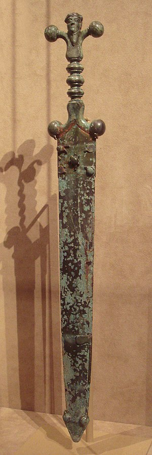 Celtic_sword_and_scabbard_circa_60_BCE.