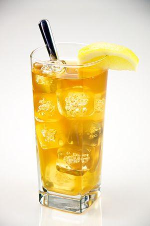 English: A Glass of iced tea.