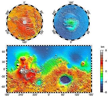 Mapa topográfico de Marte. Pode-se ver Olympus Mons, um ponto algo branco a oeste e isolado, seguindo para sudeste os três Tharsis Montes, Valles Marineris a este de Tharsis, e a cratera Hellas no hemisfério sul.