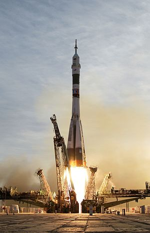 Soyuz TMA-5 launch from Baikonur Cosmodrome, O...