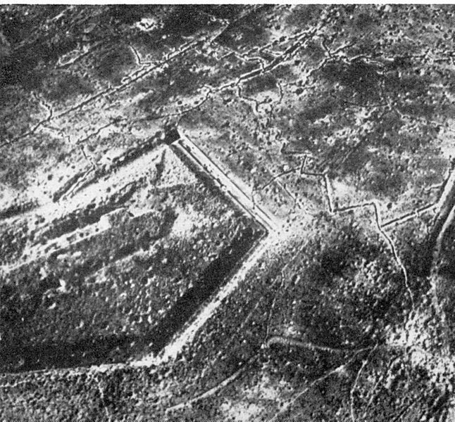 File:Fort Douaumont Ende 1916.jpg