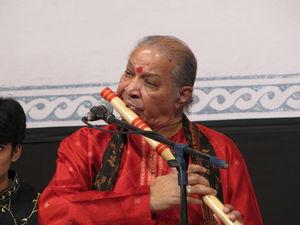 English: Hariprasad Chaurasia performing at Ch...
