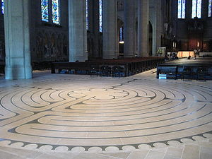 English: A labyrinth in Grace Cathedral, San F...