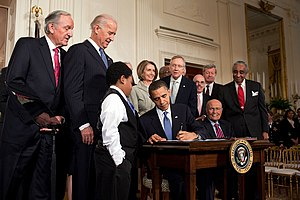 English Barack Obama signing the Patient Prot...