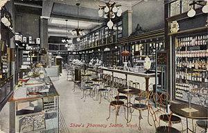 English: Interior of Shaw's Pharmacy, 918 Seco...