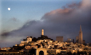English: A view of Telegraph Hill from the San...