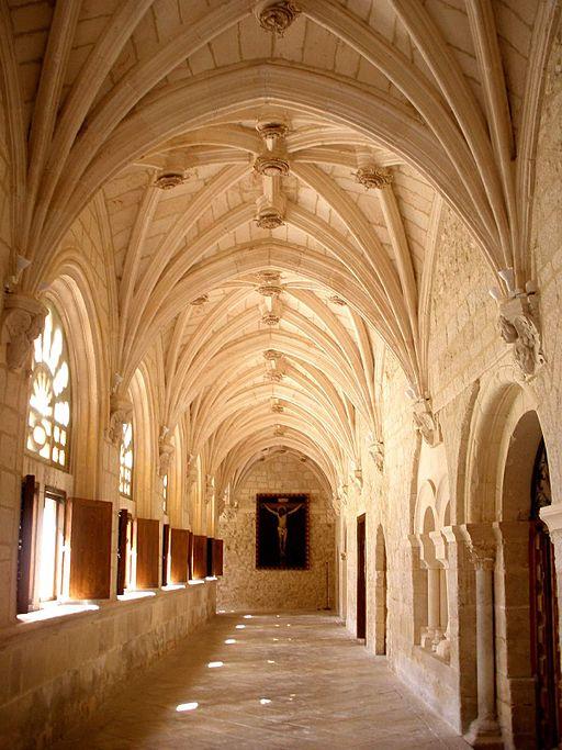 La Vid - Monasterio de Santa Maria, claustro 05