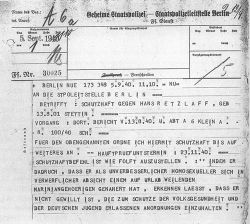 Telex til Gestapo i Berlin angående «forebyggende fengsling» av en «ukorrigerbar homoseksuell». Den anklagede, 39-årige Hans Retzlaff, døde noen uker senere i Sachsenhausen konsentrasjonsleir.