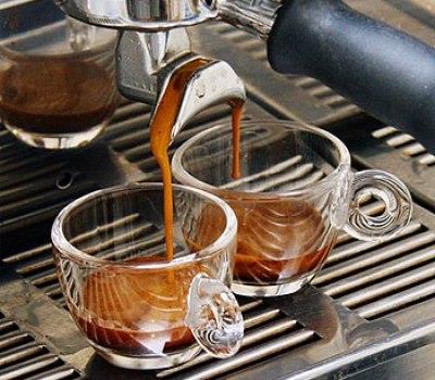 Image by Mark Prince, CoffeeGeek.com, 2006, ri...