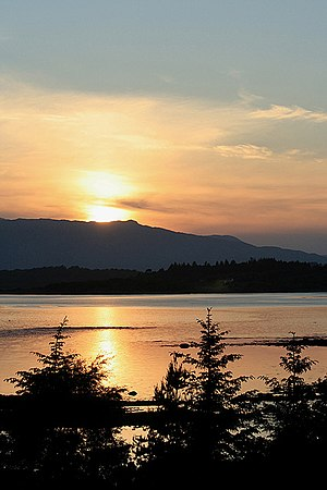 English: A Loch Creran sunset Taken from the b...