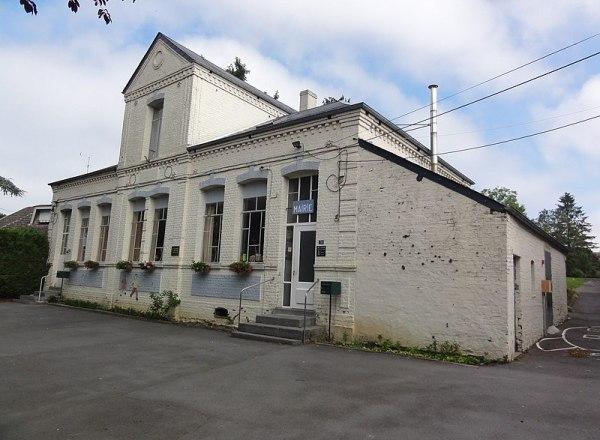Fichier:Cerfontaine (Nord, Fr) mairie-école.JPG