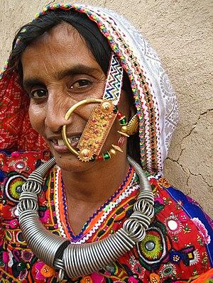 English: A Meghwal woman in Ludiya, near the b...