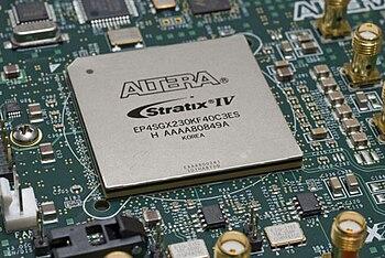 English: Altera Stratix IV EP4SGX230 FPGA on a PCB