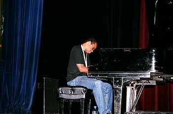 avant-garde pianist Matthew Shipp