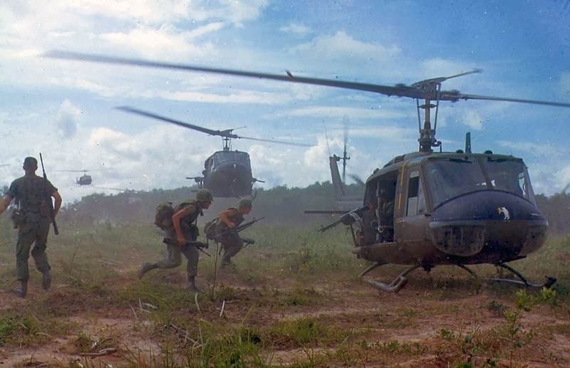 File:UH-1D helicopters in Vietnam 1966.jpg
