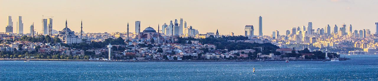 Istanbul Panorama. (Photo: Wikimedia Commons authors Ben Morlok and Cavann)