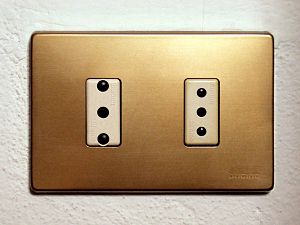 Italian sockets. (on the right 10A socket and ...