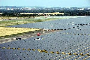 English: First Solar 40-MW CdTe PV Array insta...