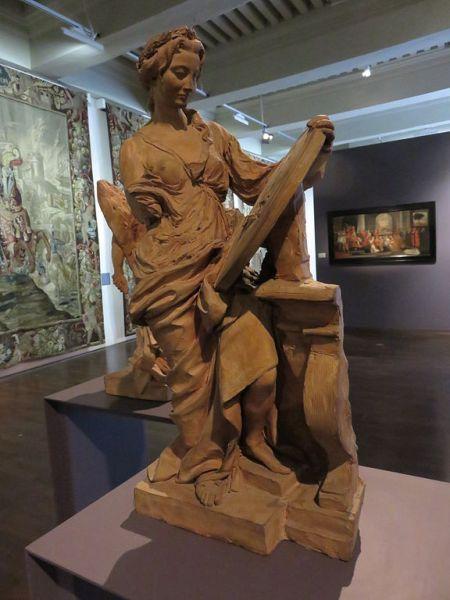 Significado de la palabra historia representada por Luc Breton. Escultura en tierra cocida perteneciente al Museo del tiempo de Besançon (Francia)