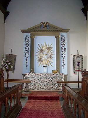 English: Altar and Reredos, St Wolfrida's Chur...